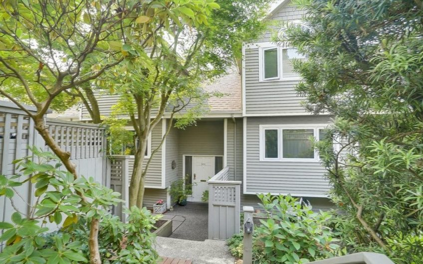 301 – 223 E Keith Road, North Vancouver